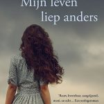 Cover_Mijn-leven-liep-anders_Kelli-Stuart